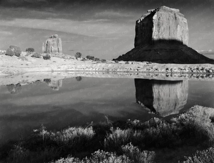 Merrick Butte, Monument Valley, Arizona, USA. Fotografía de Paisaje Natural en Blanco y Negro de Jesús coll