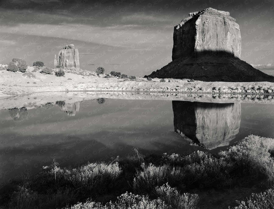 Merrick Butte, Monument Valley, Arizona, USA. Fotografía de Paisaje Natural en Blanco y Negro de Jesús coll
