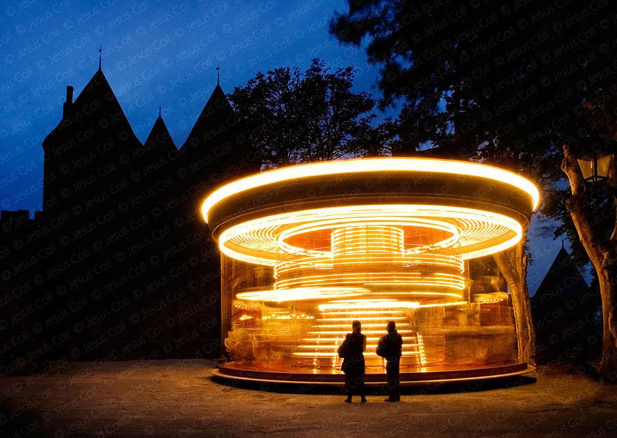 Atracción de feria en Carcassone, Francia. Fotografía de stock de Jesús Coll.