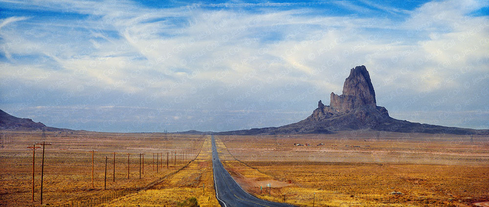 Monument Valley, Arizona, USA by Jesus Coll