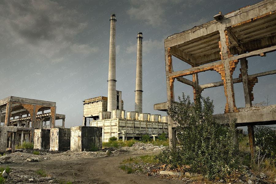 Fòssils III - Romania 2007. Fotografía Fine Art Color de Paisaje Urbano de Jesús Coll