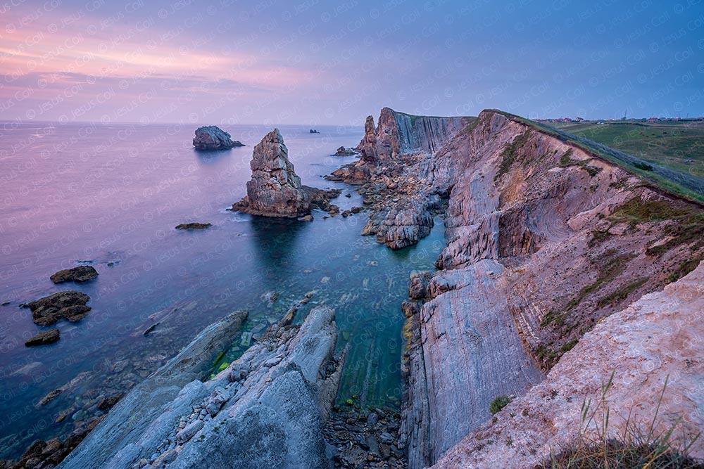 Costa Quebrada, Santander, Cantabria, Spain © Jesus Coll. Nikon 28mm f/1.4 ISO 100 f/5.6 77 seg. + ND
