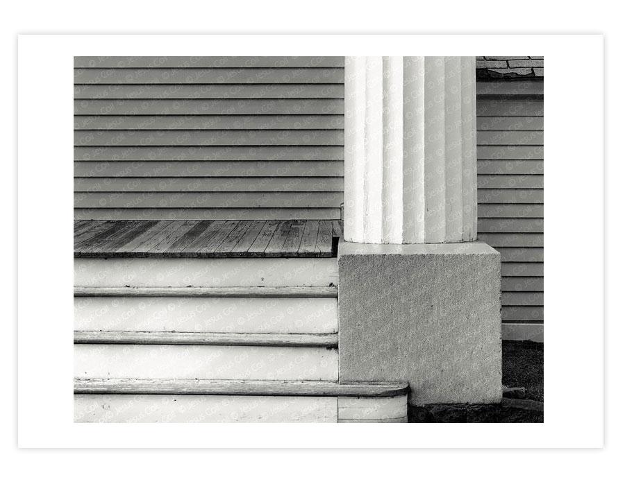 White Pillar, Mystic, Connecticut, USA de Jesus Coll
