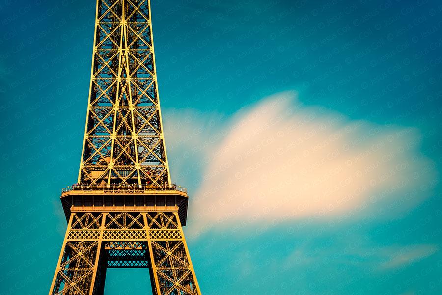 Eiffel Cloud, Paris, Francia. Fotografía Fine Art giclée decoración de Jesus Coll