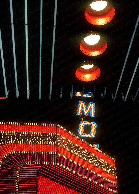Luces de neón, Las Vegas, Nevada, USA. Fotografía de Stock de Jesús Coll