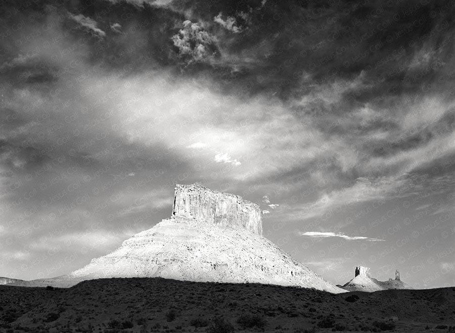 Parriott Mesa at Sunlight, Moab, Utah, USA, 1994. Fotografía Fine Art de Paisaje Natural en Blanco y Negro de Jesús Coll