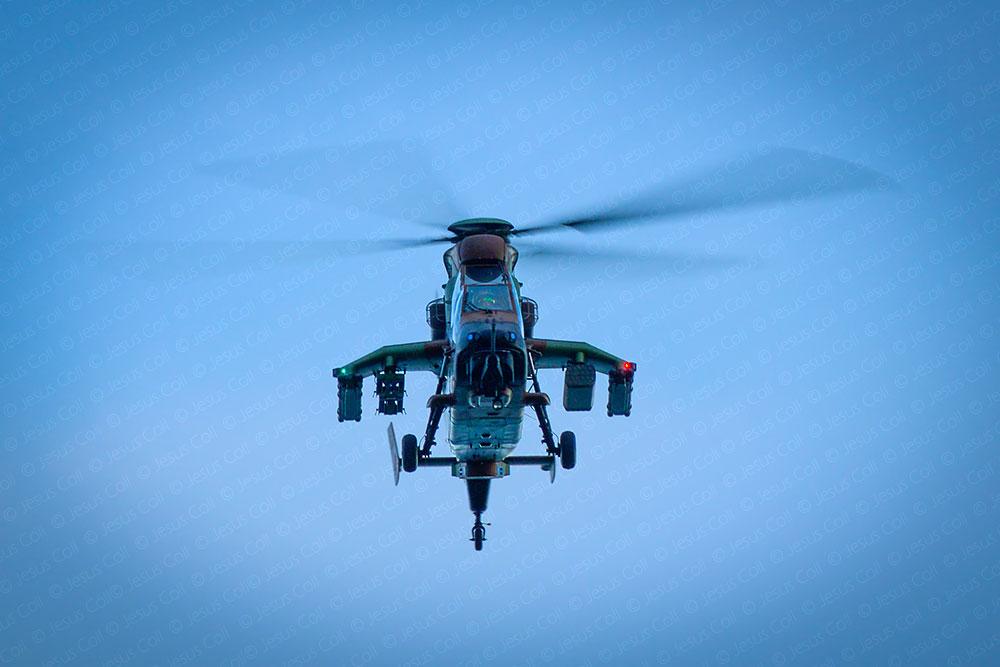 festa-al-cel-mataro-helicoptero-tigre