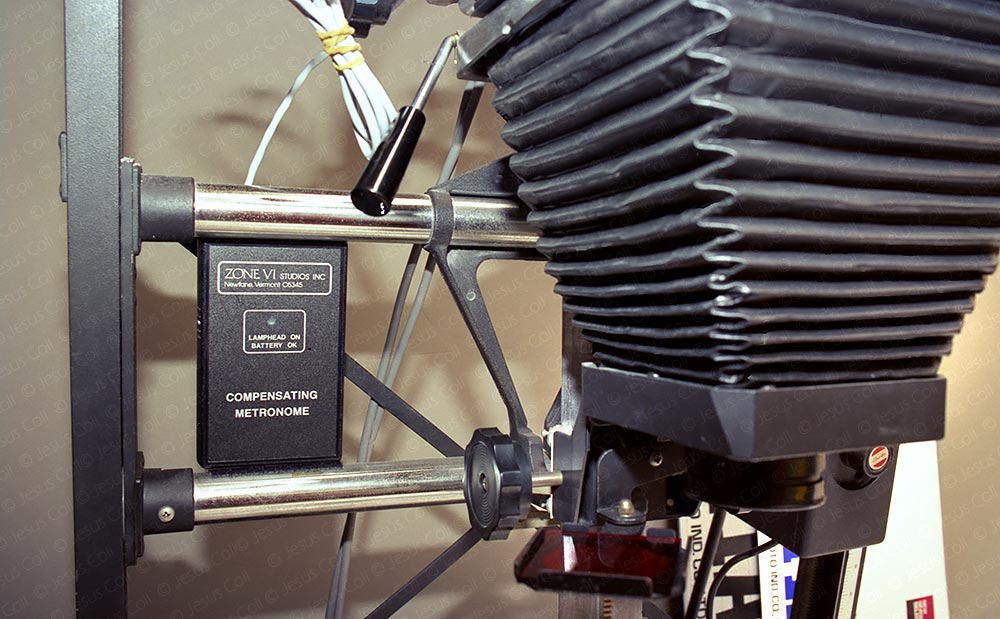 Analog Photographic Darkroom. Compensating Metronome by Zone VI Studios. © Jesus Coll
