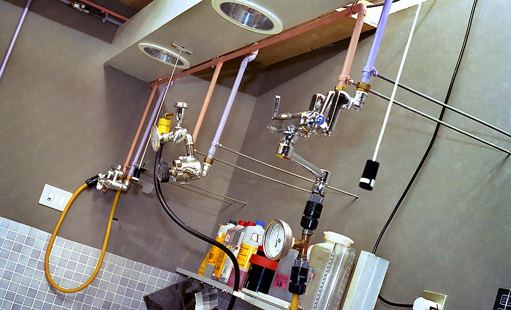 "Analog Photographic Darkroom. ""Aerial"" hot/cold water system. © Jesus Coll"