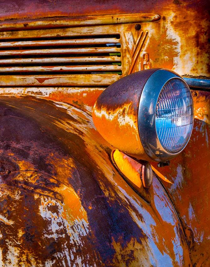 Rust, Ludlow, California